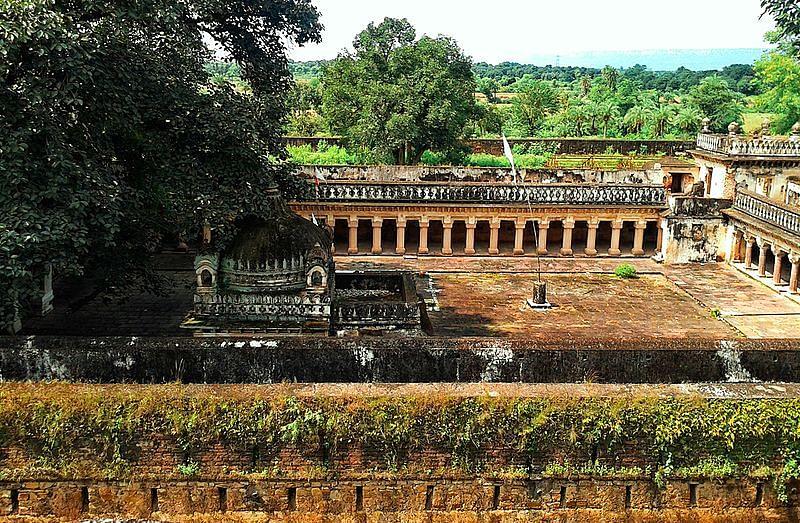 विजयराघवगढ़ किला के बारे में जानकारी - Vijayraghavgarh Kila in Hindi