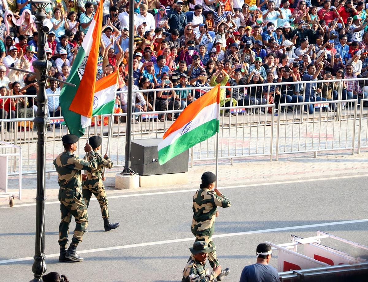 वाघा सीमा परेड के बारे में जानकारी - Wagah Border Punjab in Hindi