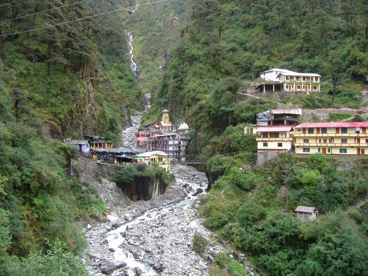 उत्तराखंड के उत्तरकाशी जिले में यमुनोत्री के बारे में जानकारी - Yamunotri of uttarkashi in Hindi