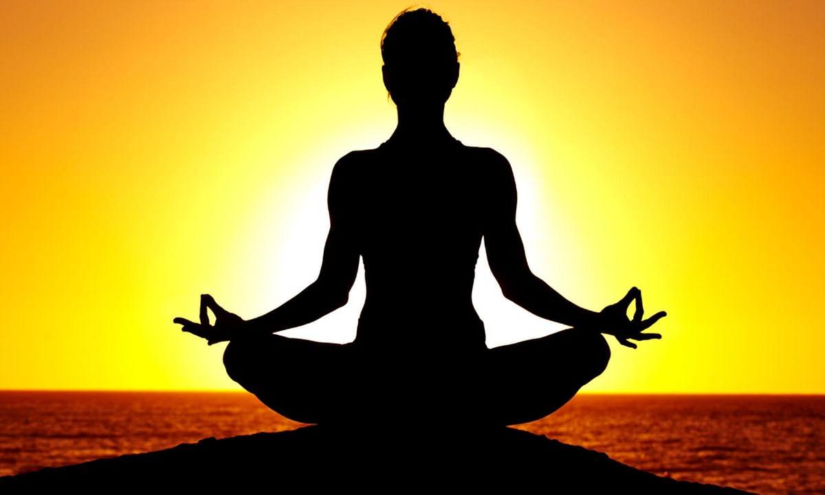 विचारों को 'योग' से करें काबू
