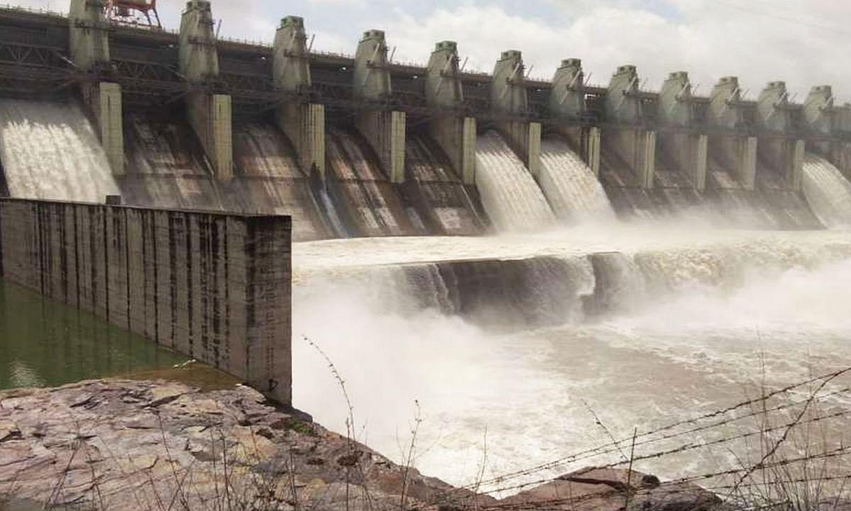 खण्डवा : ओंमकारेश्वर बांध के खोले गए 18 गेट, जनजीवन अस्त-व्यस्त