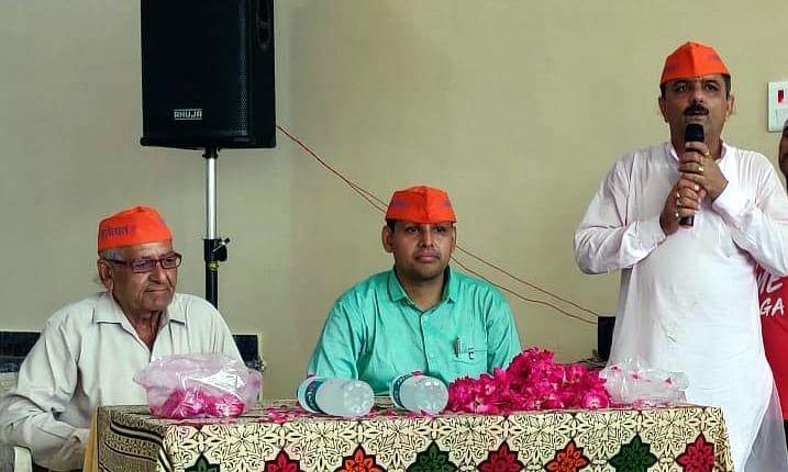 छतरपुर:अब जनता से जुड़ने की कोशिश में जुटे कलेक्टर मोहित बुंदूस