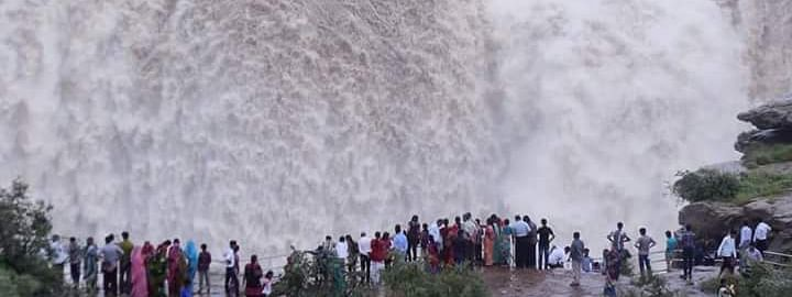 Beauty of Dhuandhar Waterfall