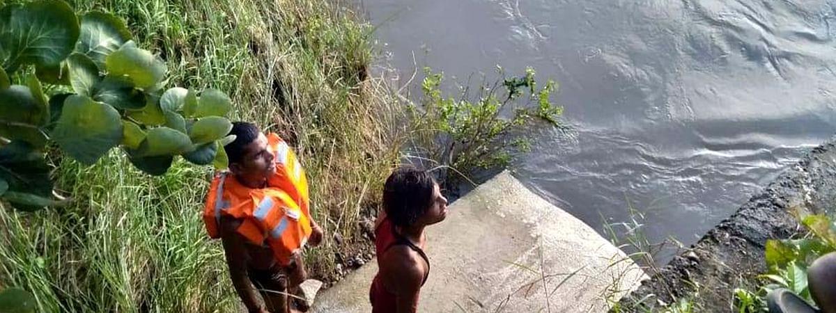 दोस्त को बचाने कुदा युवक, खुद हो गया नदी में लापता
