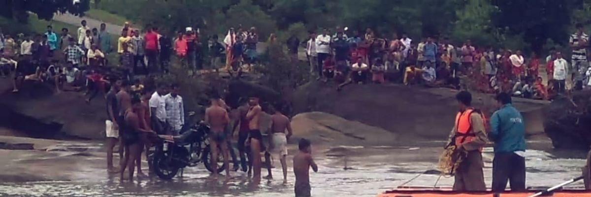बैतूल: भडंगा नदी में बहे व्यक्ति की तलाश जारी, मोटर साईकल बरामद