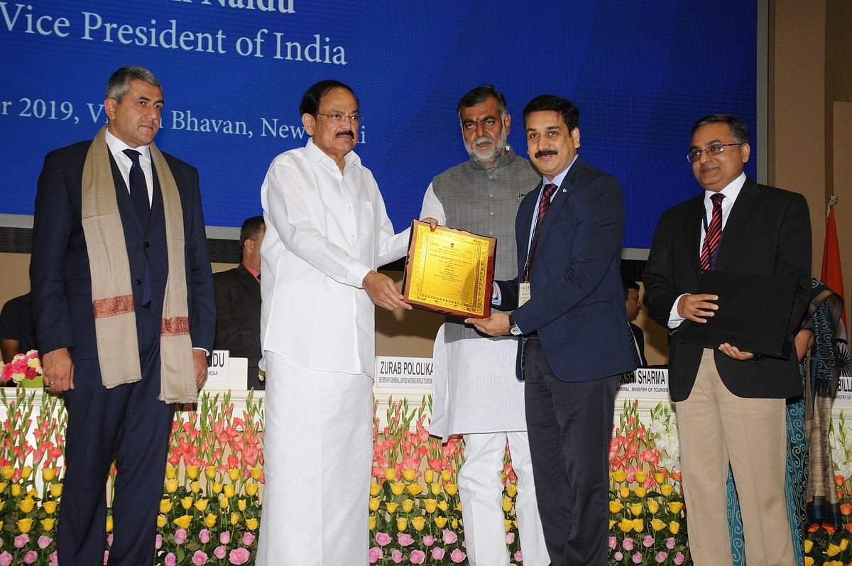 उपराष्ट्रपति ने वर्ष 2017-18 के राष्ट्रीय पर्यटन पुरस्कार किए वितरित