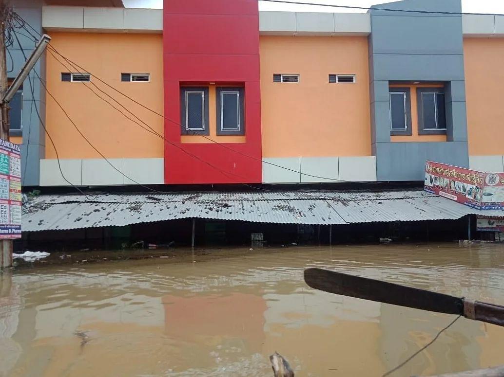 जावरा 32 घंटे से अनवरत जारी जोरदार बारिश