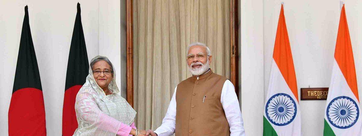 प्रधानमंत्री नरेंद्र मोदी और बांग्लादेशी प्रधानमंत्री शेख हसीना