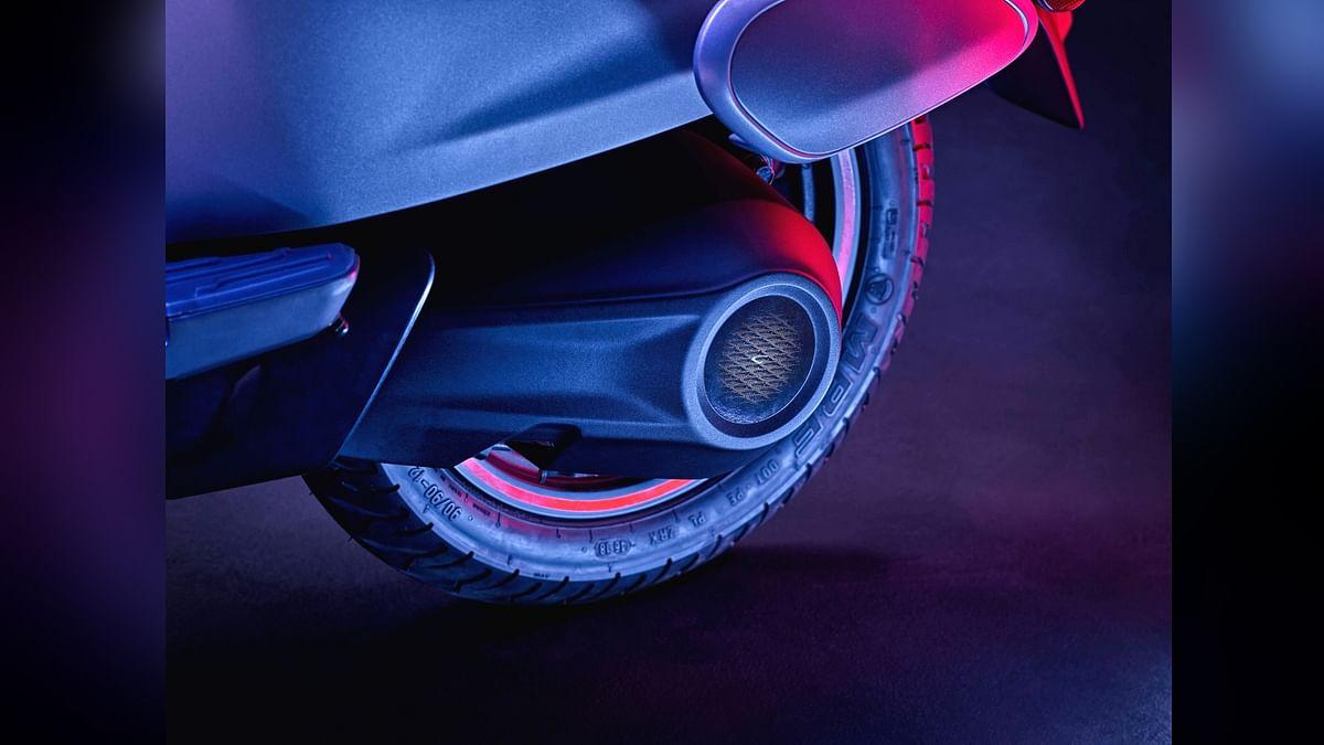 इसके टायर बहुत की आकर्षक होने के साथ ही ट्यूबलेस भी हैं।