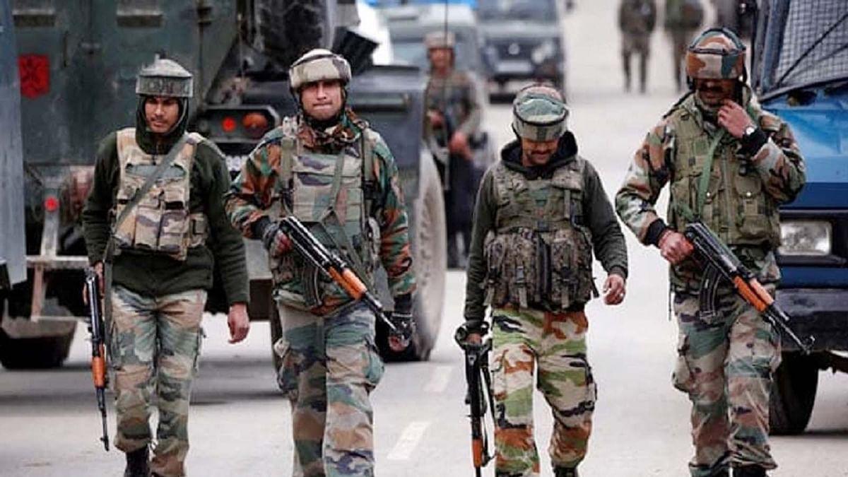 पुलवामा: EU सांसदों के कश्मीर दौरे के बीच आतंकी हमला