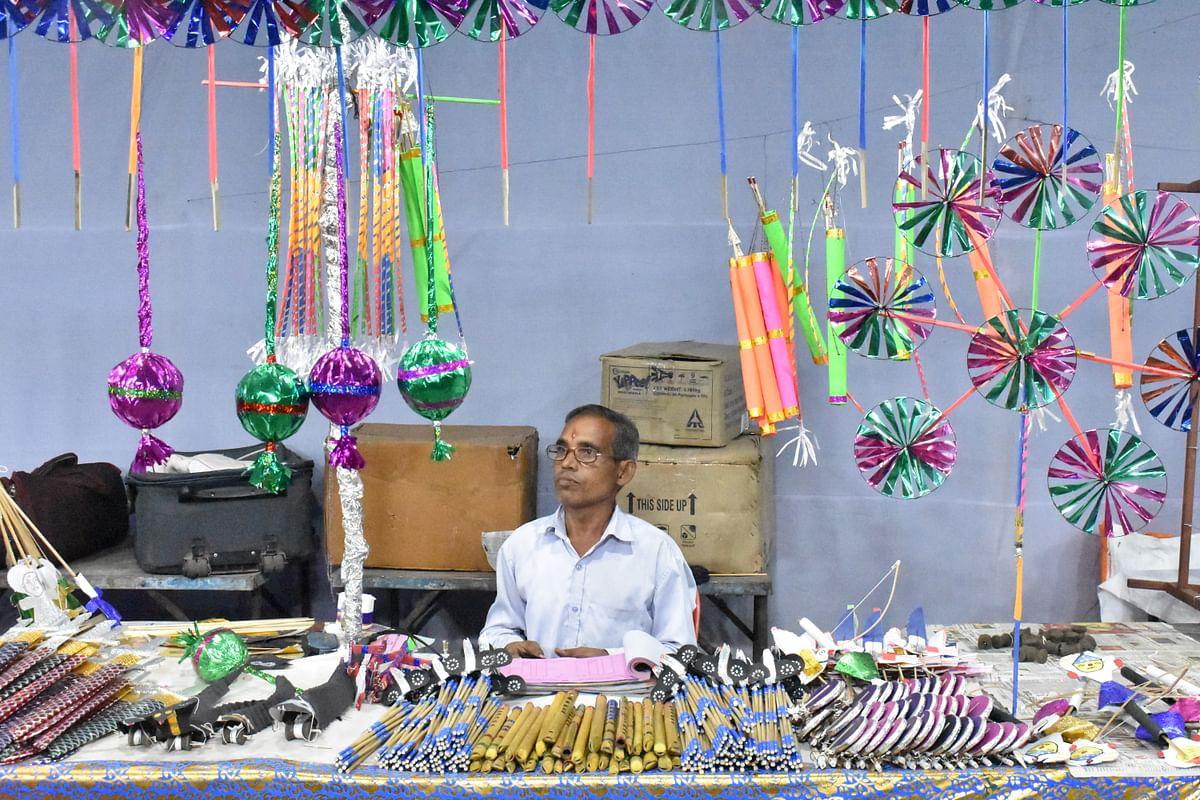 दिवाली में साज-सज्जा की विभिन्न वस्तुएं