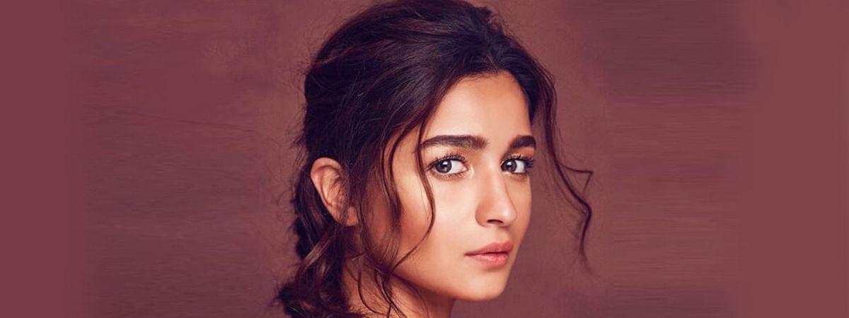 आलिया भट्ट की एक और मूवी फिल्म का नाम है 'गंगूबाई काठियावाड़ी'