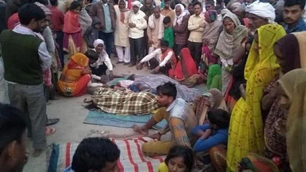 लखनऊः तेज रफ्तार बस ने सड़क किनारे सो रहे श्रृद्धालुओं को कुचला