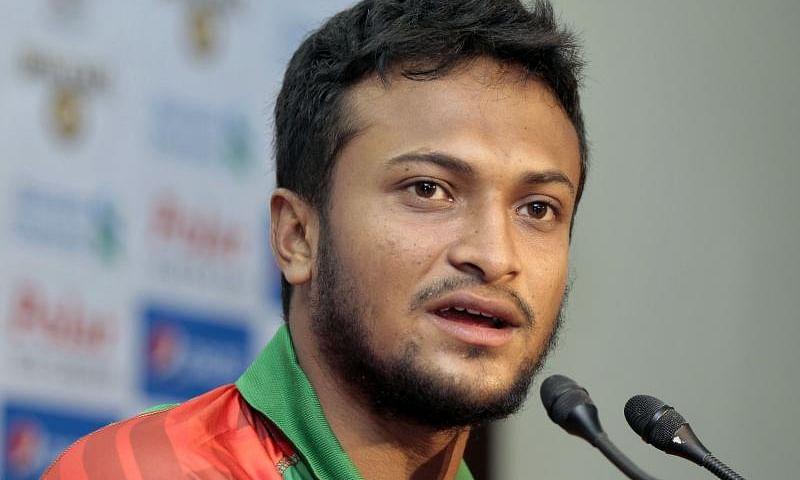 टेलीकॉम कंपनी से अनुबंध के चलते फसे बांग्लादेशी कप्तान