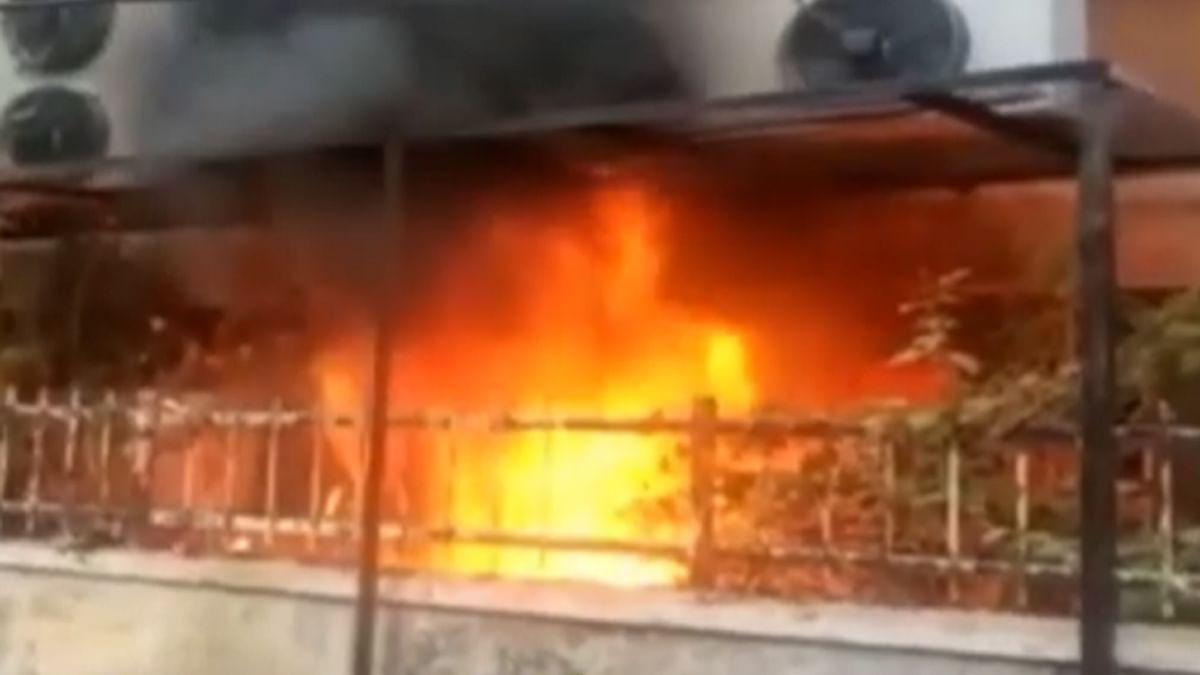 छतरपुर : बीएसएनएल ऑफिस में लगी आग, हुआ लाखों का नुकसान