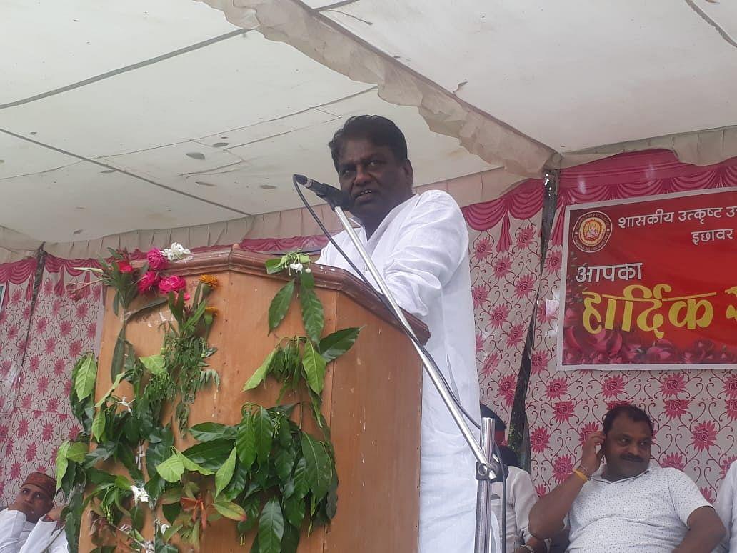 मध्यप्रदेश के स्कूल शिक्षा मंत्री डॉ. प्रभुराम चौधरी