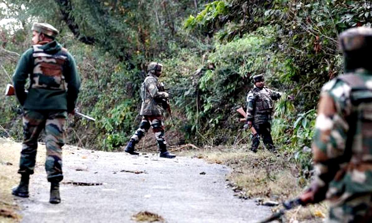 जम्मू-कश्मीरः अनंतनाग में सुरक्षाबलों ने आतंकियों को घेरा, मुठभेड़ जारी