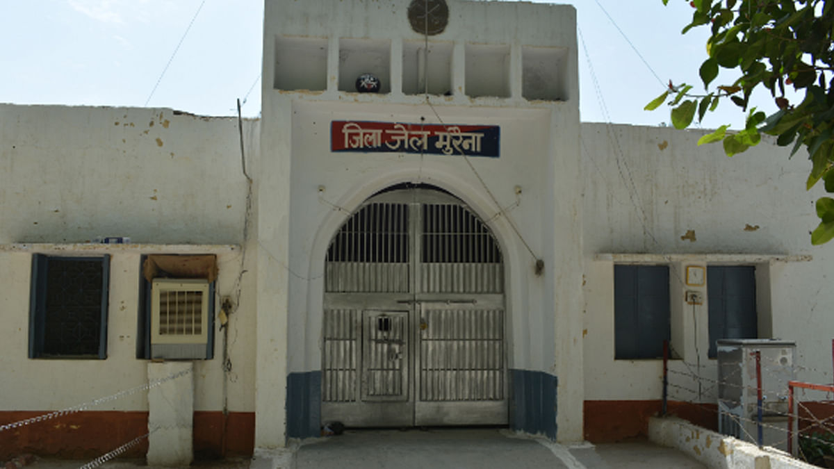 कैदियों के आगे बेबस जेल प्रशासन अम्बाह