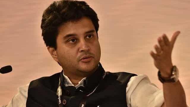 सिंधिया ने ट्विटर के जरिए कांग्रेस पर साधा निशाना