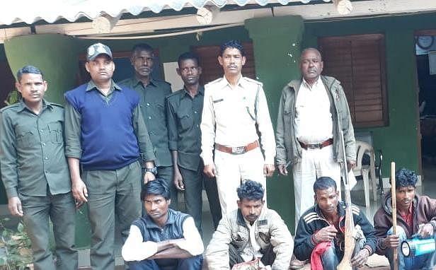 उमरिया: शिकार से पहले वन अमले ने 4 शिकारियों को दबोचा