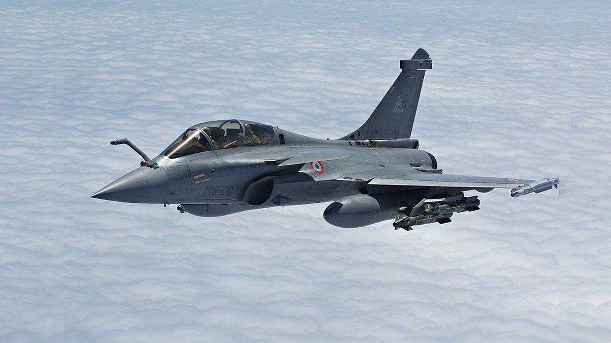 भारत को मिले अब तक तीन राफेल लड़ाकू विमान