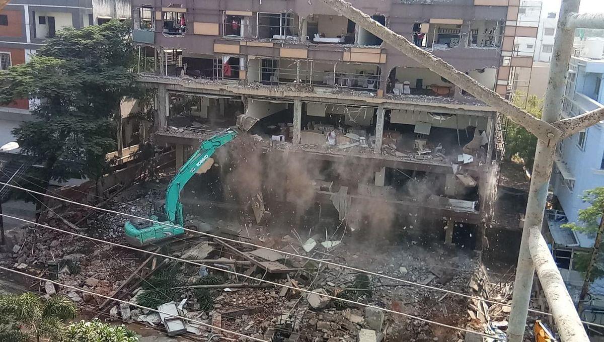 इंदौर में जीतू का तीन मंजिला मकान किया गया ध्वस्त
