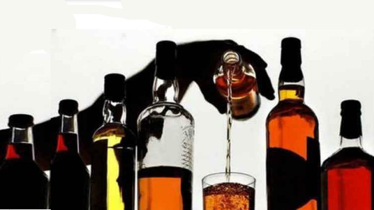 अधिकारियों की जेबें गरम कर चल रहा अवैध शराब का खुला कारोबार