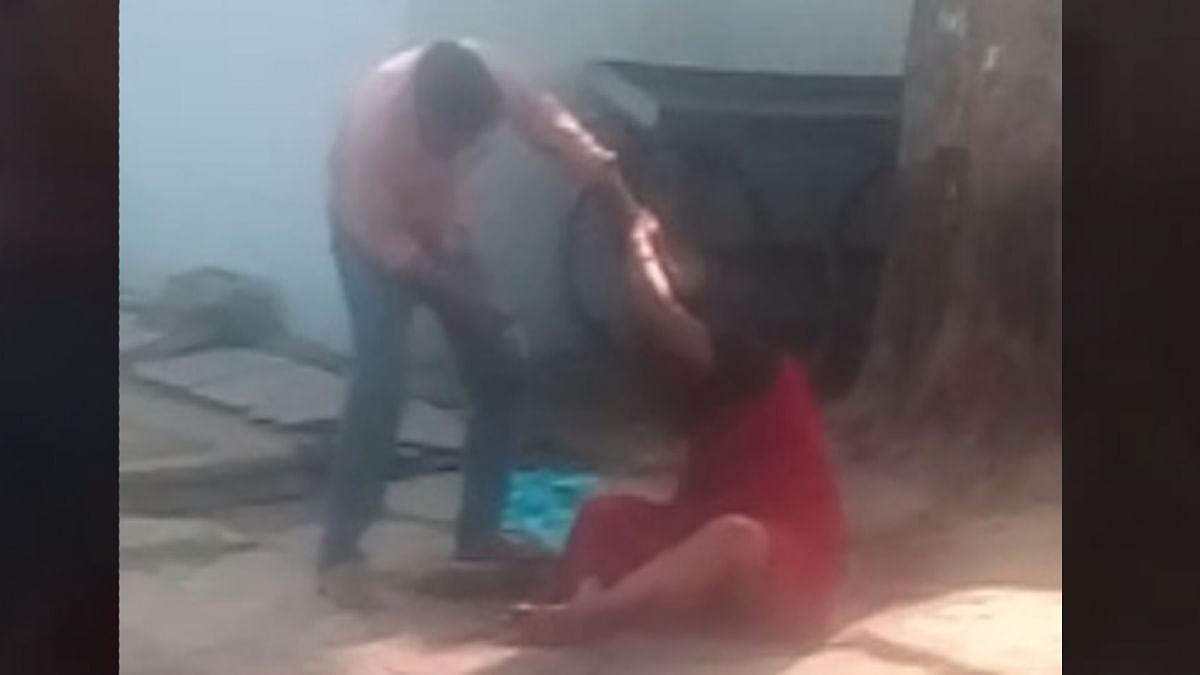 एकतरफा प्रेम में पगलाए आरोपी ने महिला को किया हसिये से घायल