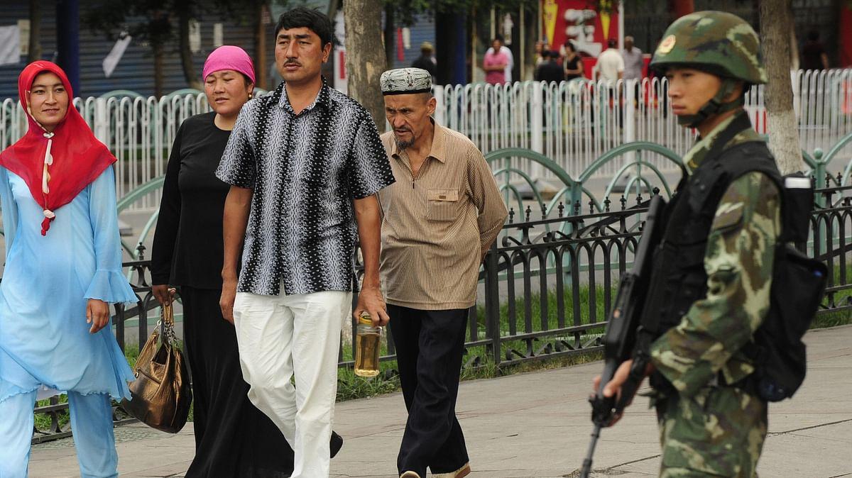चीन में मुस्लिम नागरिकों को डिटेंशन कैंपों में भेजा जा रहा हैं