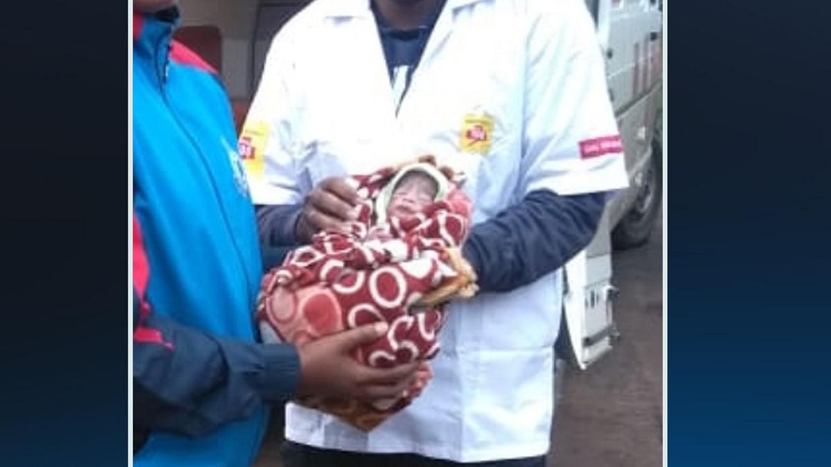 कड़ाके की ठंड में लावारिस छोड़ दिया नवजात-माँ का नहीं मिला कोई सुराग