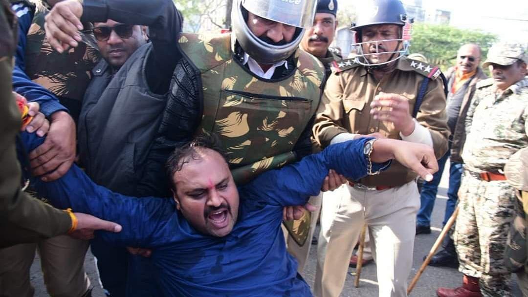 मध्य प्रदेश में धारा 144 के चलते भाजयुमो का युवा आक्रोश आंदोलन