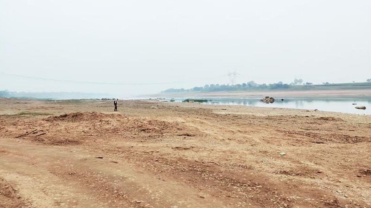 ठेकेदार ने लगाई गुहार, रेत की चोरी रोको सरकार