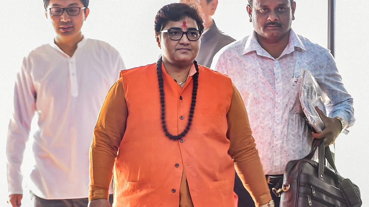 भोपाल: नाराजगी के चलते भाजपा के उपेक्षित नेताओं को जोड़ रहीं सांसद प्रज्ञा
