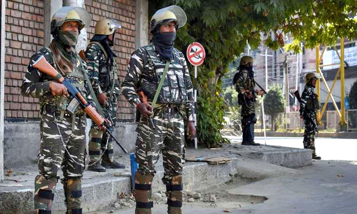 DSP गिरफ्तार, हिजबुल-लश्कर के आतंकियों से जुड़े हो सकते हैं तार
