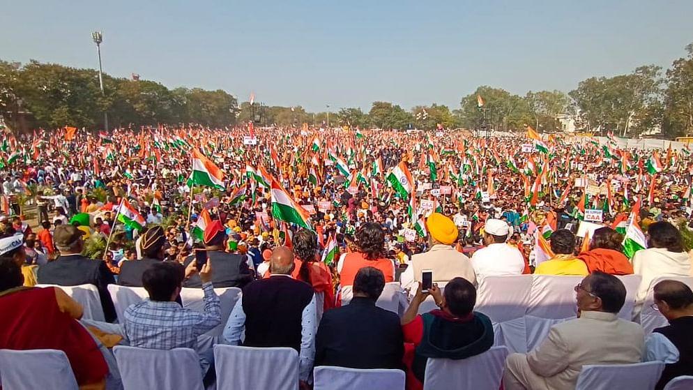 इंदौर में नागरिकता कानून के समर्थन में उमड़ा जनसैलाब