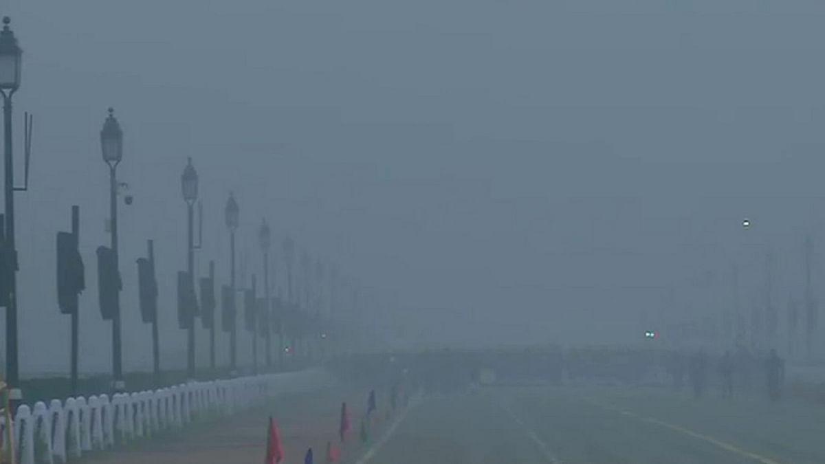 मौसम पल-पल ले रहा करवट, दिल्ली में फिर लुढ़का पारा-विजिबिलिटी कम