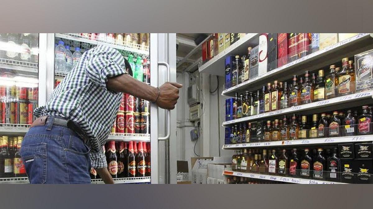 शराब की उपदुकानें खोलने की नीति पर सरकार को घेरने की तैयारी