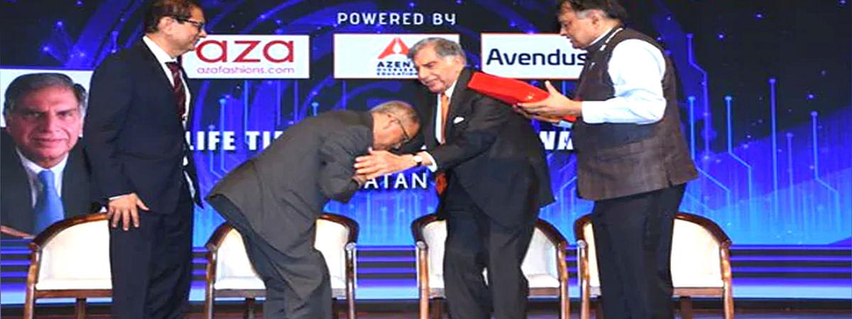 Narayan Murthy blessed Ratan Tata's feet