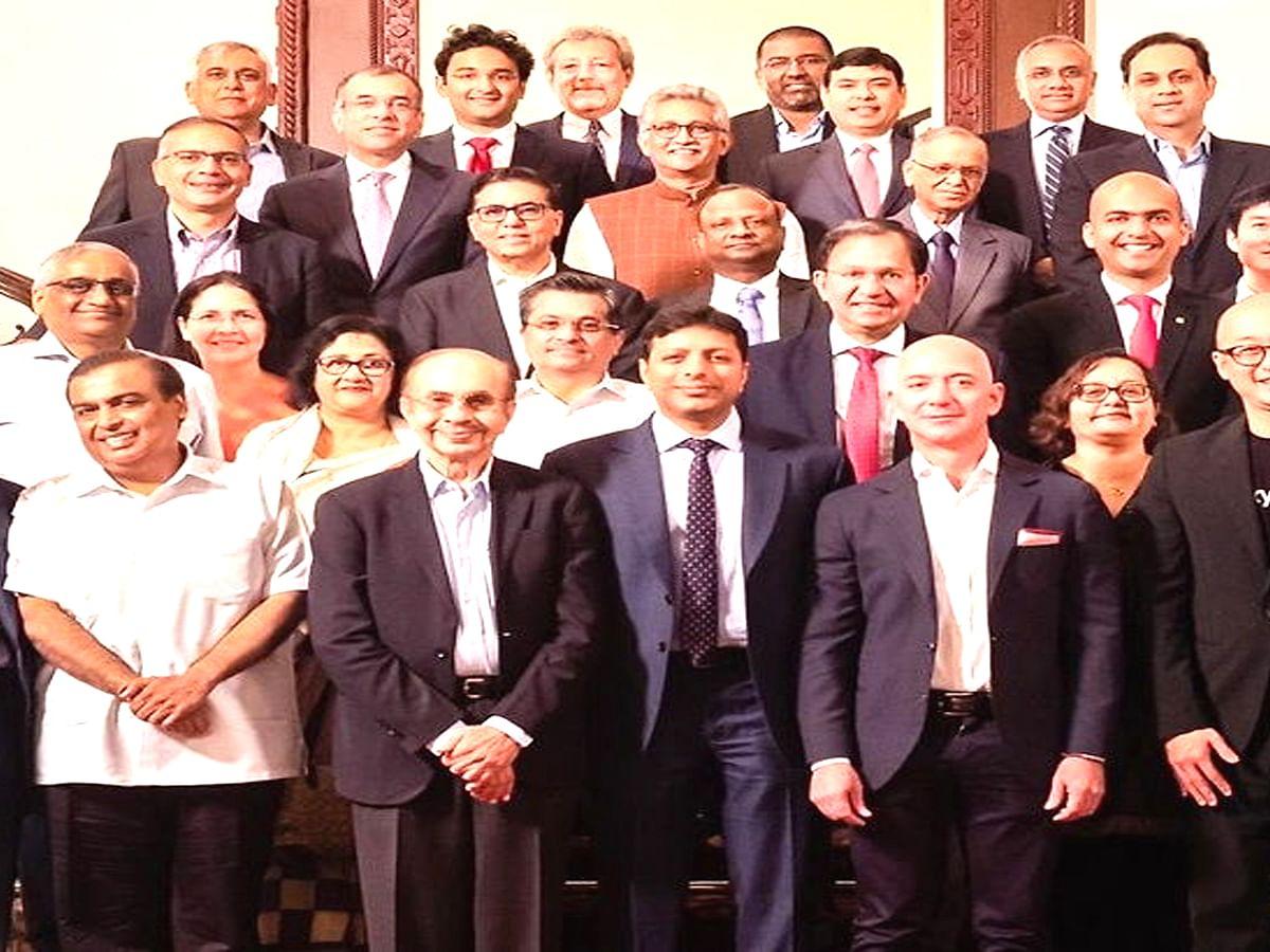 जाने भारत दौरे के दौरान जेफ़ बेजोस ने किन-किन से की मुलाकात