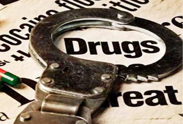 मादक पदार्थों के साथ गिरफ्तार हुई महिला, हो सकते हैं बड़े राजफाश