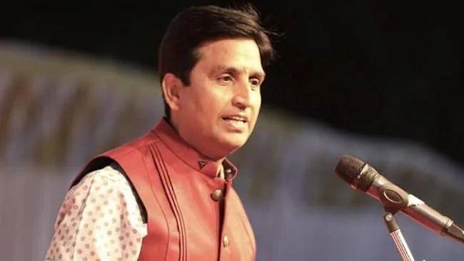 राजधानी दिल्ली में भड़की हिंसा पर कवि कुमार विश्वास का ट्वीट