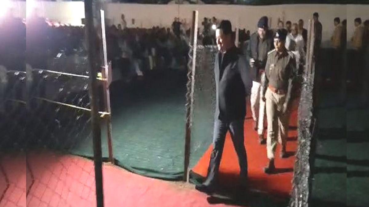 ताप्ती महोत्सव: बिजली हुई गुल, अंधेरे में दिया मंत्री ने भाषण
