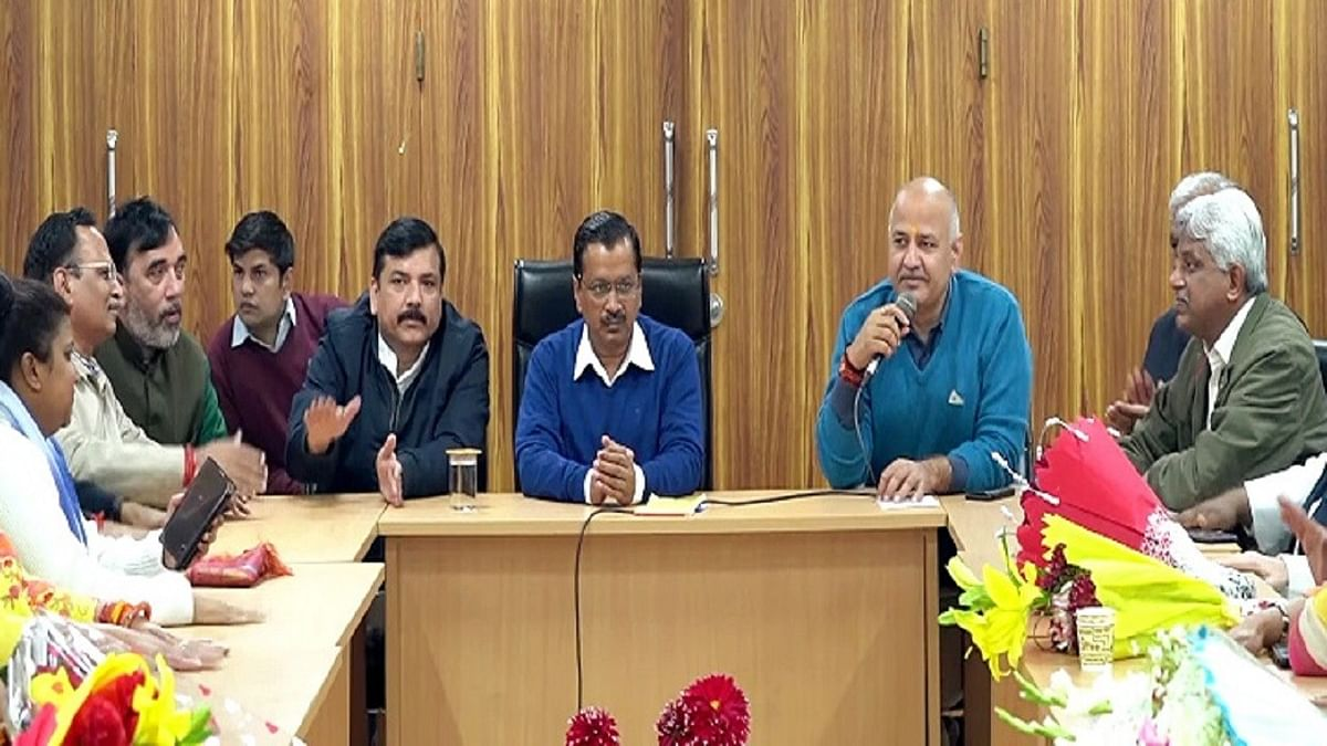 दिल्ली : केजरीवाल सरकार में नहीं होगा बदलाव , सभी मंत्री लेंगे शपथ