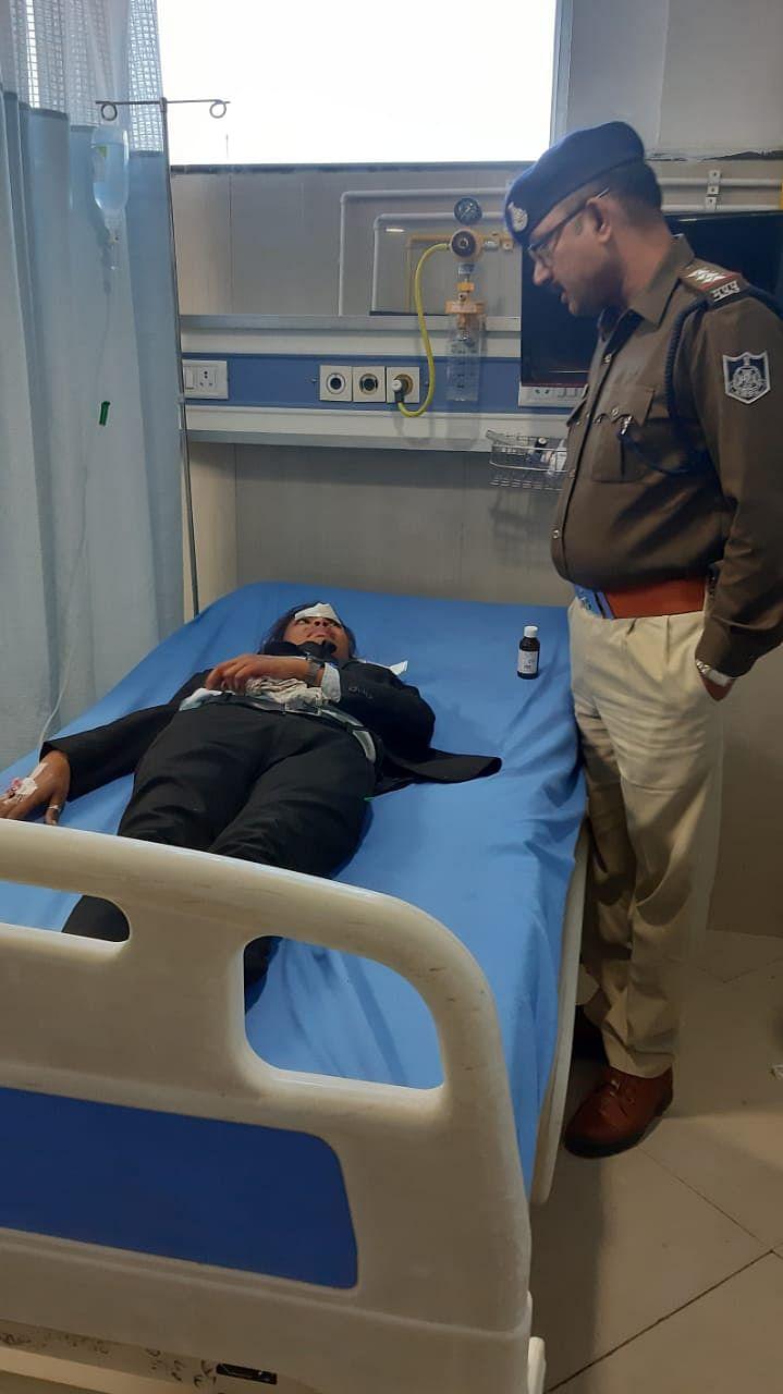 घायलों को अस्पताल भेजा गया