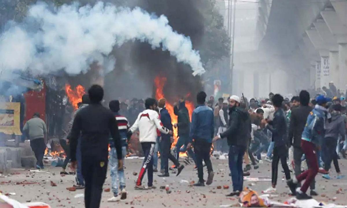 पत्थरबाजी और हिंसा की आग में फिर झुलसी राजधानी