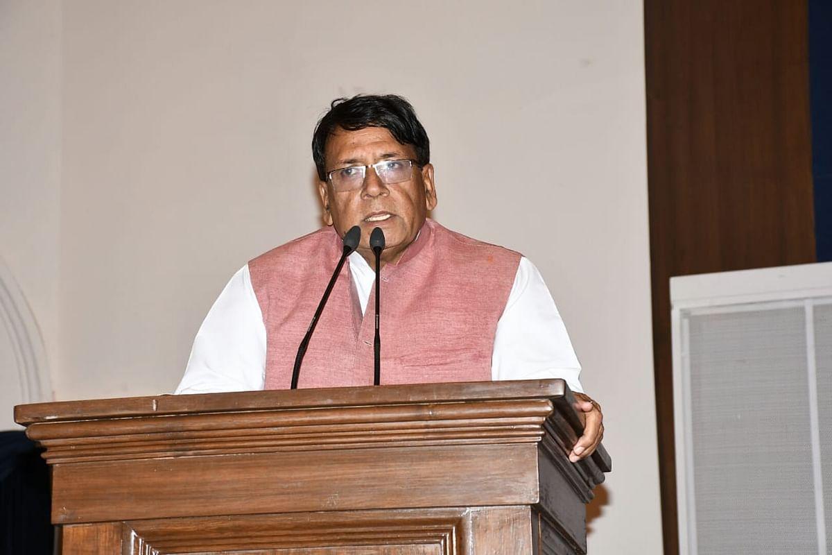 वातावरण में हो रहे बदलाव का गहन अध्ययन जरूरी : मंत्री शर्मा