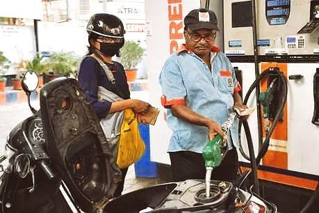 नो मास्क नो पेट्रोल, अब पेट्रोल बिना मास्क के नहीं मिलेगा