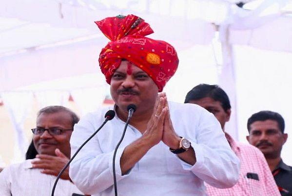 कमलनाथ के मंत्री ट्वीट कर बोले-यह राज्यसभा में जाने की लड़ाई है