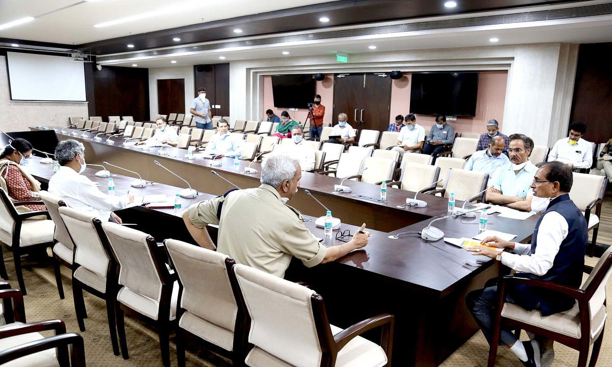 तबलीग जमात मेंशामिल नागरिकों को क्वॉरेन्टाइन में रखें: सीएम चौहान