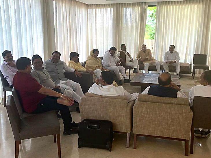 मप्र राज्यपाल ने सिंधिया समर्थक 6 मंत्रियो को किया निष्कासित